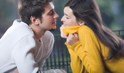 Как понять что нравишься парню (2)