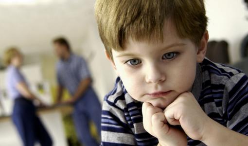 кризис 3 лет у ребенка (фото)