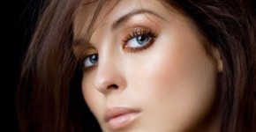 макияж брюнетки с голубыми глазами 1