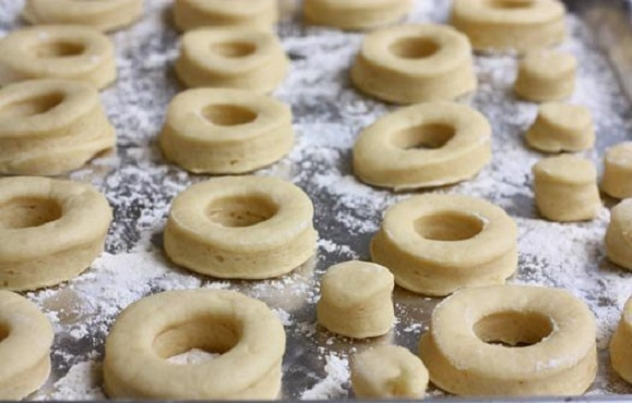Пошаговый рецепт вкусных пончиков 14