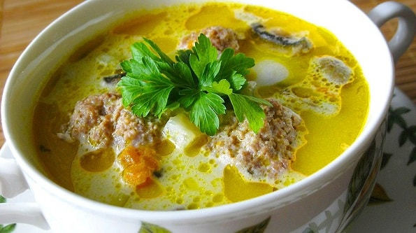 foto sup s frikadelkami recept 1
