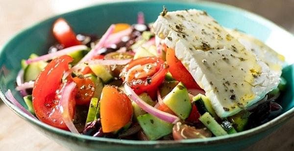 foto grecheskij salat 4