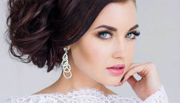photo svadebnyj-makijazh-dlja-golubyh-glaz 1