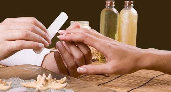 foto klassicheskij obreznoj manikjur 10