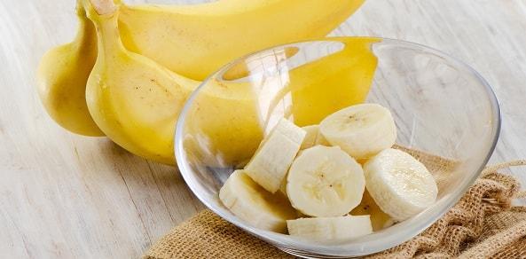 foto-mozhno-li-est-banany-na-noch-1