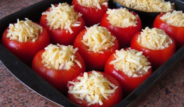 с курицей омлет в помидорах
