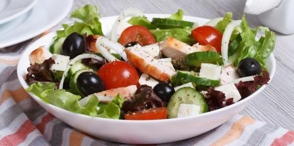 foto grecheskij salat 1