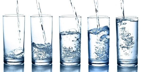 foto skolko nuzhno pit vody