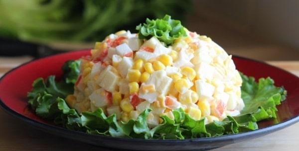 салат крабовый к новогоднему столу